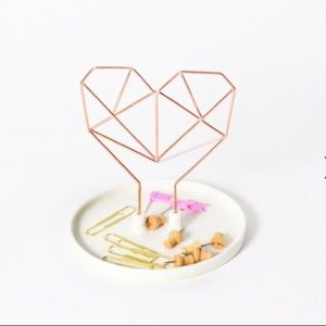 IMM Coxet Wire Heart Ceramic Jewelry Holder
